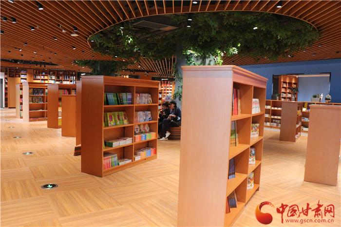 9月28日西北书城盛装开业!记者带你抢先逛