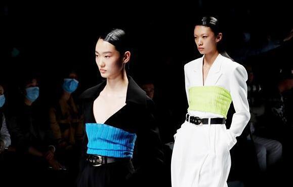 2021春夏上海时装周开幕首秀在上海举行