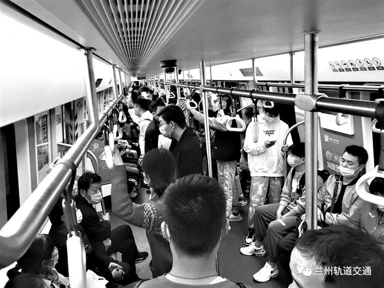 """步入地铁时代 兰州形成""""五位一体""""立体公共交通体系"""