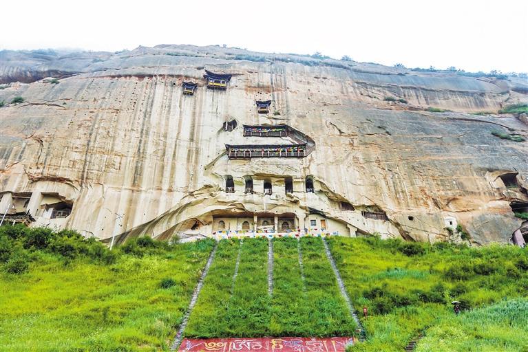 马蹄寺石窟:甘青环线的明珠