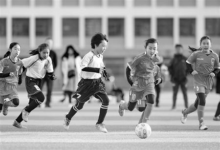 中办国办印发《关于全面加强和改进新时代学校体育工作的意见》和《关于全面加强和改进新时代学校美育工作的意见》