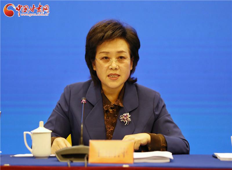 甘肃省人社厅副厅长王丽萍就我省东西部扶贫劳务协作成效答记者问