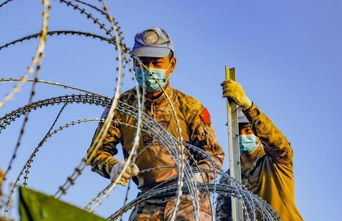 中国维和工兵分队完成联非达团营地防御工事升级改造任务