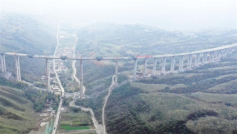 临夏双城至达里加(甘青界)公路项目
