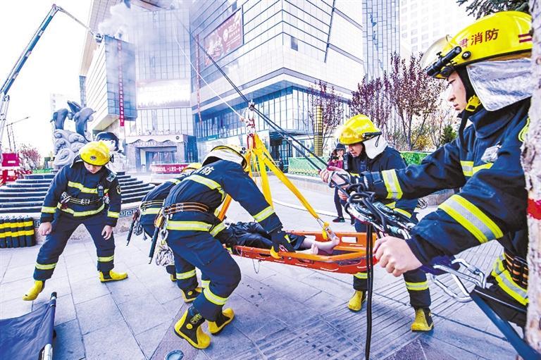 平凉消防支队开展高层建筑灭火救援实战演练