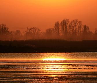 【关注】武威石羊河全国示范河湖建设通过水利部验收