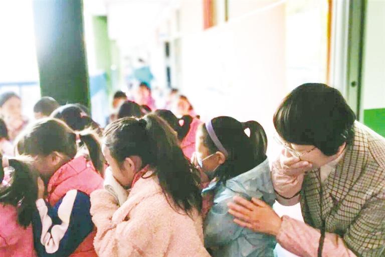 新滩小学开展消防安全疏散演练