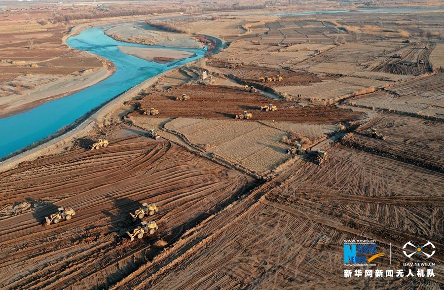 """【""""飞阅""""中国】甘肃张掖:万亩高标准农田建设酣"""