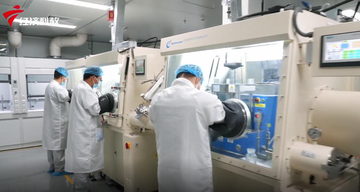 恒大电池研发猛将如云 40个实验室展示科研成果