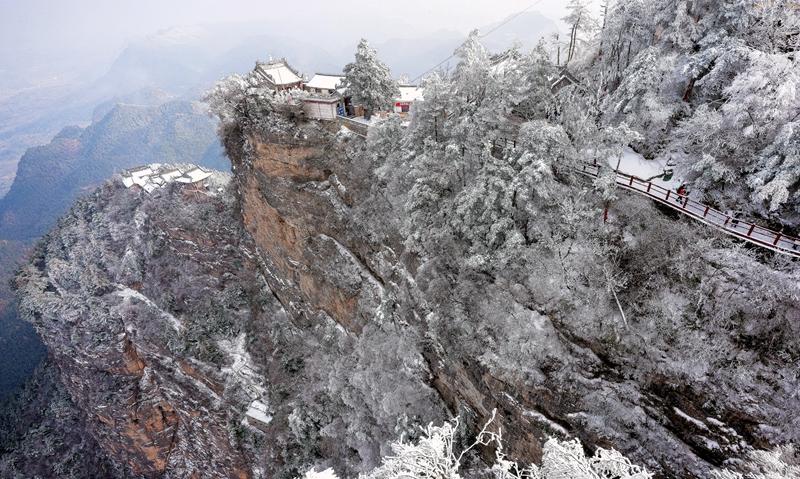 【飞阅甘肃】成县鸡峰山:雪后听梵音 登高觅胜景