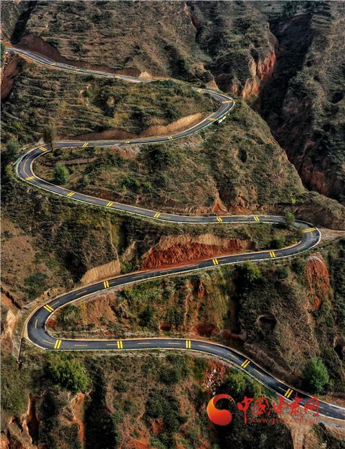 甘肃省近5年来累计修建7.1万公里农村公路