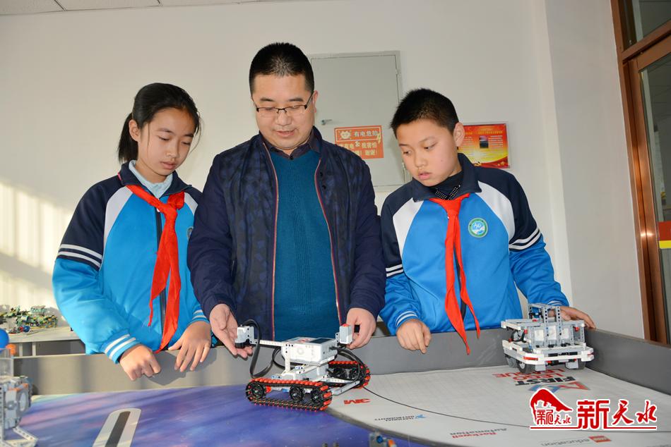 """天水市两名小学生获""""2020世界机器人大赛""""青少年组一等奖"""