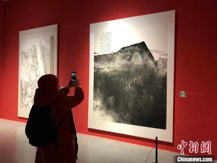 """237件美术精品亮相""""中国西部大地情中国画、油画作品展"""""""