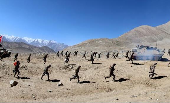 丹心昭天山——新疆军区某红军师牢记嘱托锻造忠诚劲旅记事