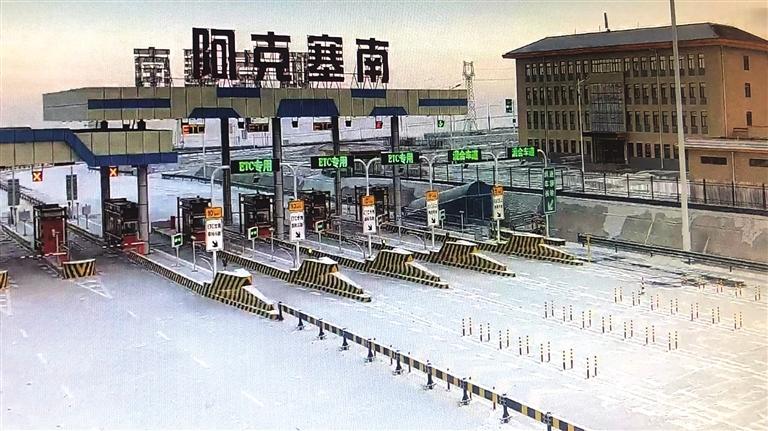 受降雪影响河西部分路段实施临时交通管制