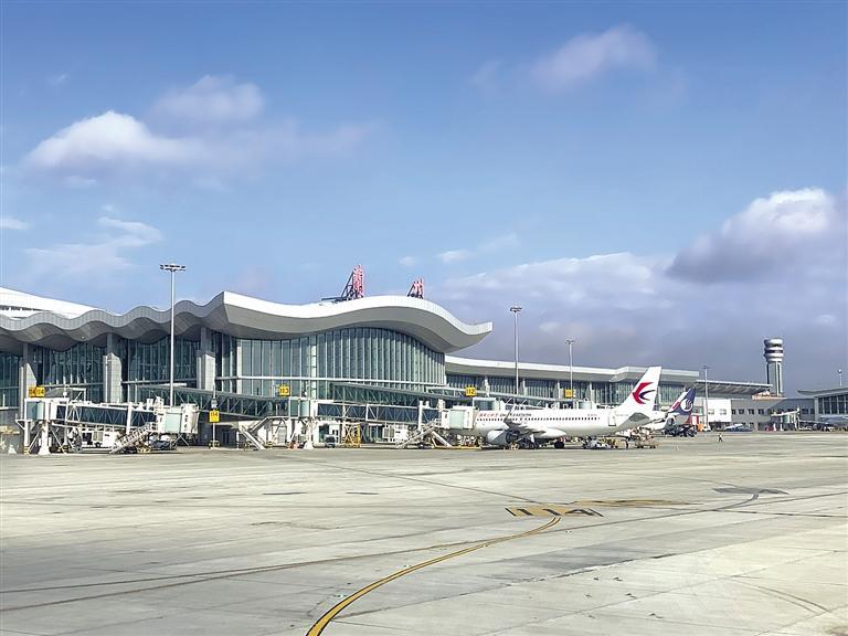 兰州中川国际机场发布最新防控措施:旅客凭绿码方可进入候机楼
