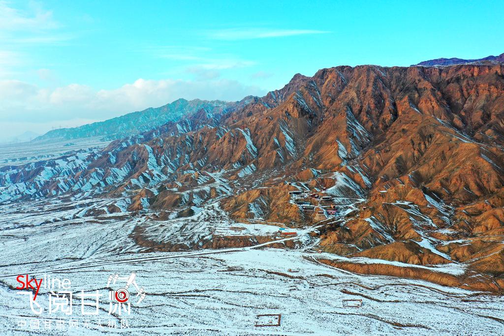 【飞阅甘肃】张掖甘州:雪扮合黎山 今朝更好看