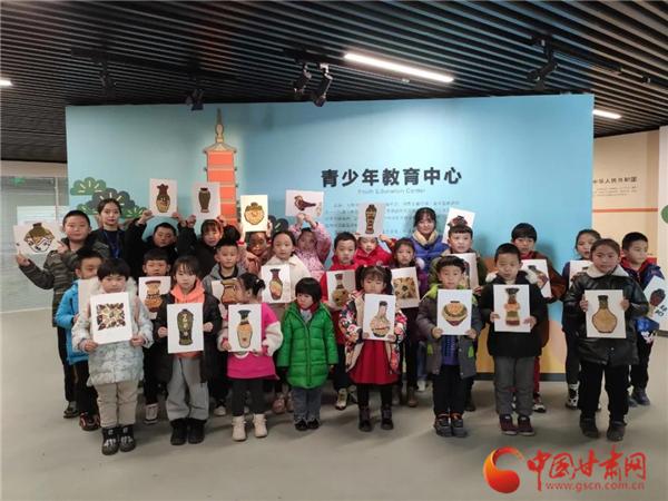 博物馆里过腊八 武威这些孩子用五谷拼文物!