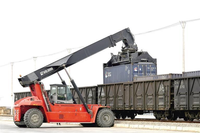 兰州新区打通国际陆海贸易新通道