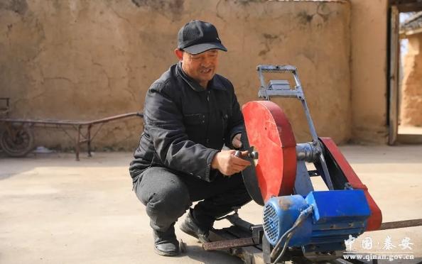 天水秦安一农民自制切割机获国家发明专利