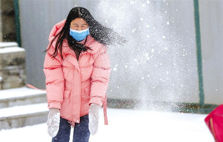 笑看飞琼花 雪满金城道 兰州迎来2021年第一场雪