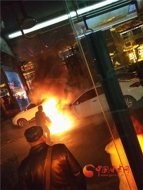 兰州:公交司机正确施救化险为夷