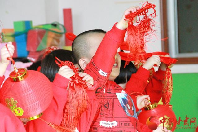 【网络中国节·春节】兰州市儿童福利院开展新春送祝福活动