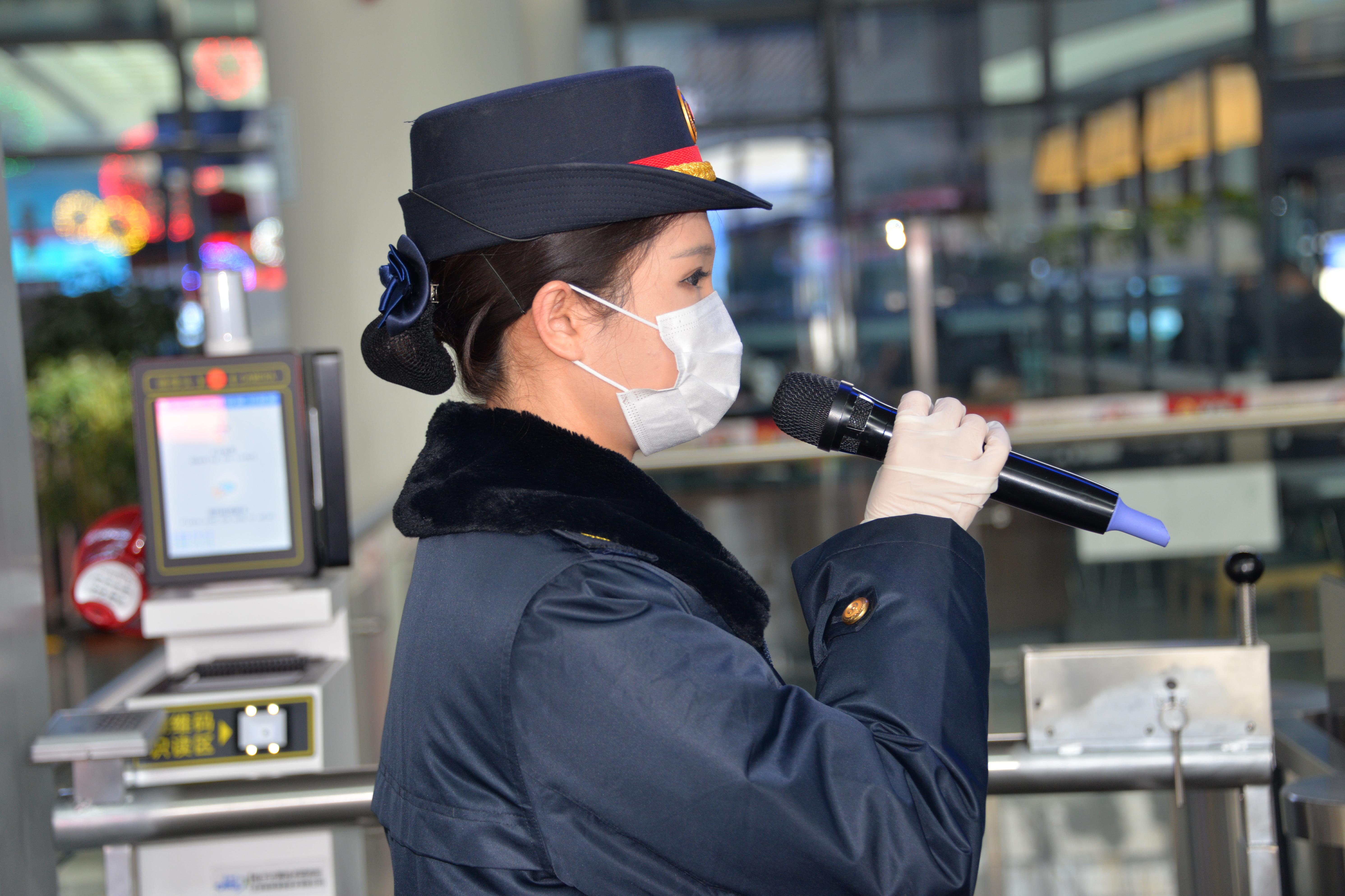 """【陇人相】""""98""""后客运员孙佳奇:春运路上的新青年"""