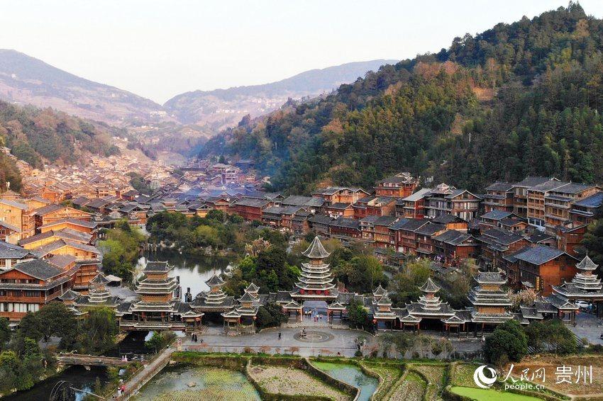 肇兴侗寨全景。人民网 龙章榆 摄
