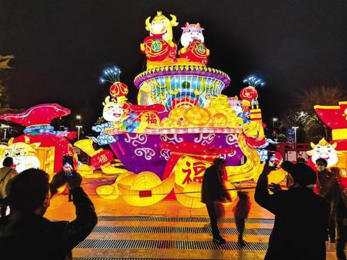 【网络中国节·元宵】兰州市城关区市民广场彩灯靓
