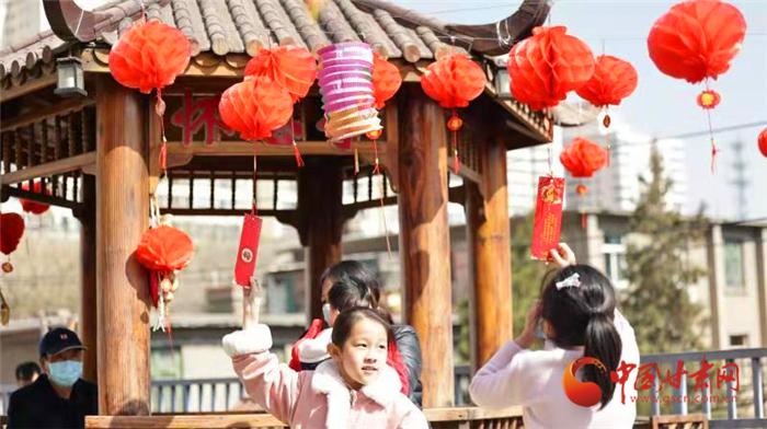 【网络中国节·元宵】兰州这个社区露台元宵节好热闹