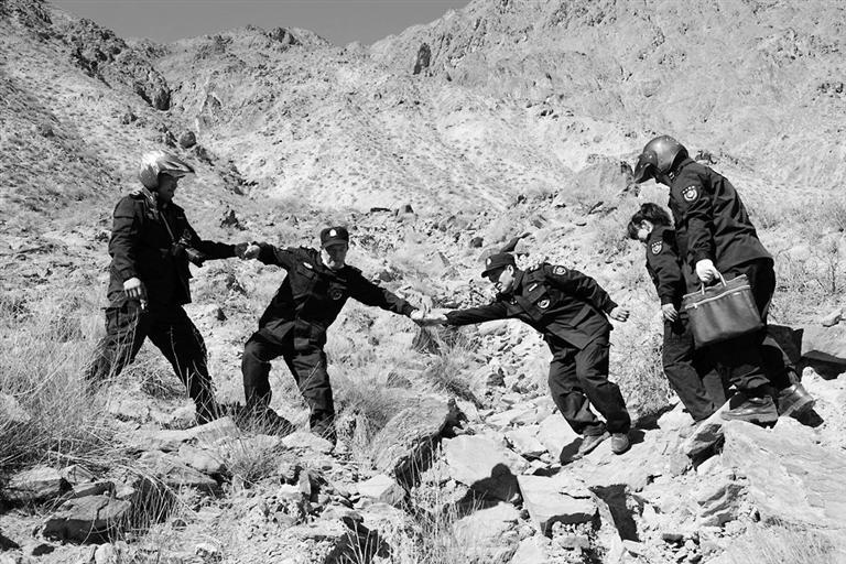 祁连山里,他们的元宵节这样过 张掖600余名护林员终年守护茫茫林海 筑牢国家生态安全屏障