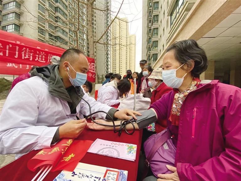 兰州:弘扬雷锋精神 参与志愿活动