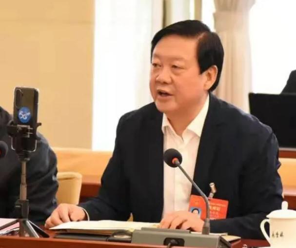 【聚焦2021全国两会】全国人大代表、张掖市委书记杨维俊接受中国日报记者采访