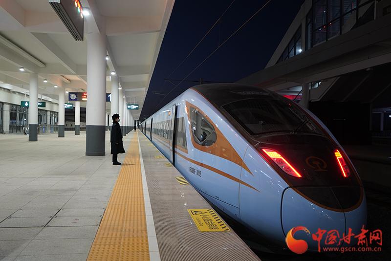 明日起,银西高铁加开6对动车组临客满足旅客出行