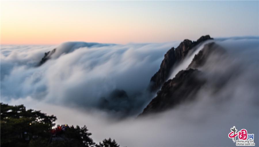 安徽黄山雨后云海日出:自然馈赠 壮丽浩荡