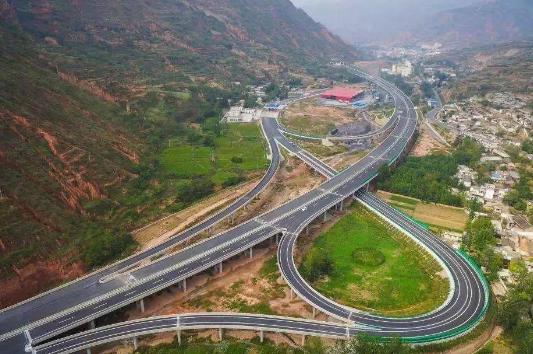 甘肃省24条续建高速公路项目全部复工