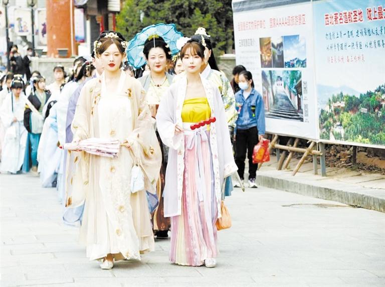 """传承雅致生活美学 天水市玉泉观首届""""花朝节""""开幕"""