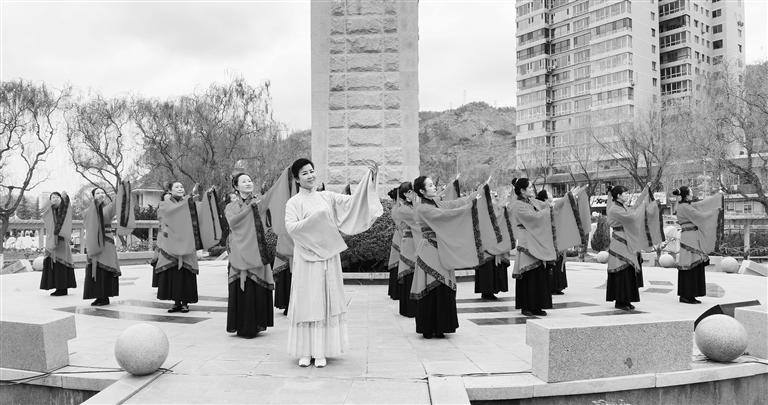 """兰州这场活动""""亮眼"""" 清明传统文化文艺展演在龙源举行"""