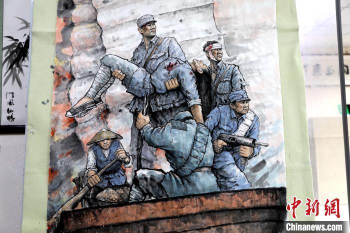 湖北一畫家繪就兩米長戰斗畫作