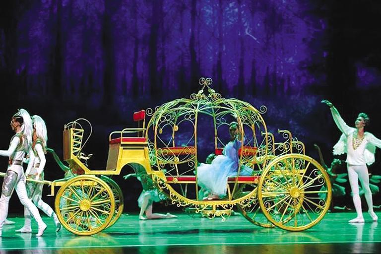 """2021兰州""""个十百千""""惠民工程演出季 芭蕾舞剧《灰姑娘》昨晚上演"""