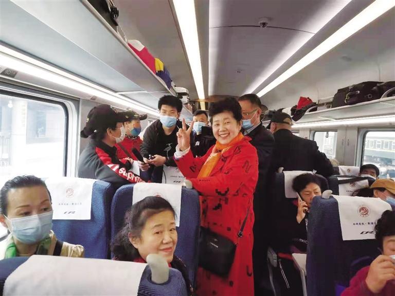 """坐上动车畅游三峡 兰铁国旅公司推出""""定制服务"""""""