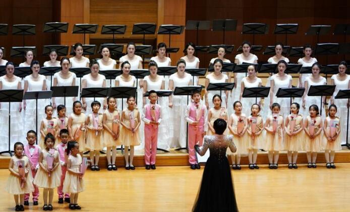 流行碰撞经典 北京音乐厅开唱
