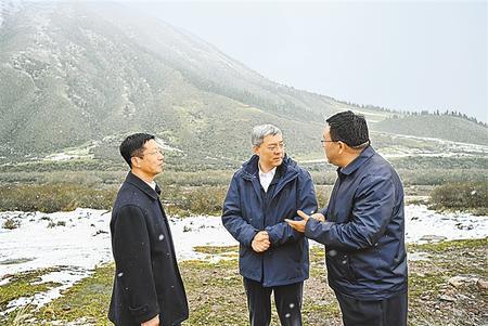 尹弘在张掖调研时强调 持续巩固提升祁连山生态治理成效 切实筑牢国家西部生态安全屏障