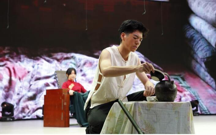北京中学生展示经典戏剧