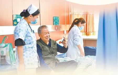 """优质服务""""沉到底"""" 群众就医""""不跑路""""——兰州市提升基层医疗服务能力侧记"""