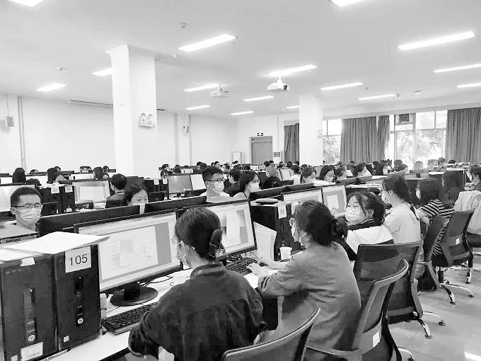 甘肃省高考评卷各科目实施多评模式