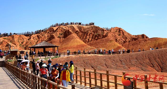 端午假期张掖共接待游客87.05万人次,实现旅游收入4.64亿元