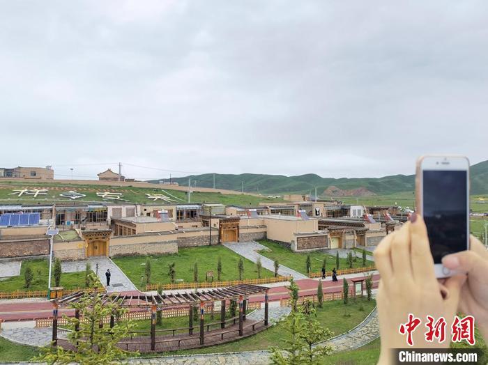 图为甘南美丽乡村。(资料图) 刘玉桃 摄