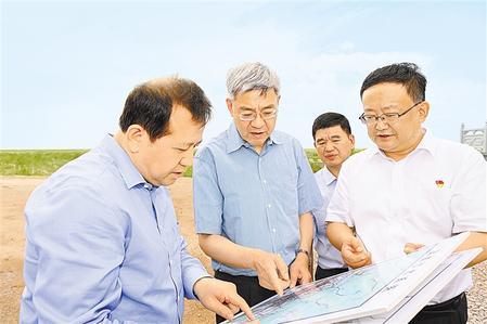 尹弘在武威调研时强调 倾力守护绿水青山 积极培育特色产业 走生态友好绿色低碳的高质量发展之路